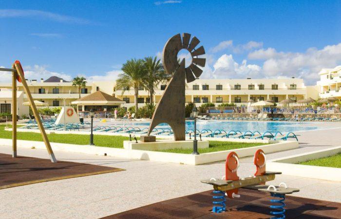 Alojamiento deportivo en Lanzarote; Exterior apartamentos Club Santa Rosa