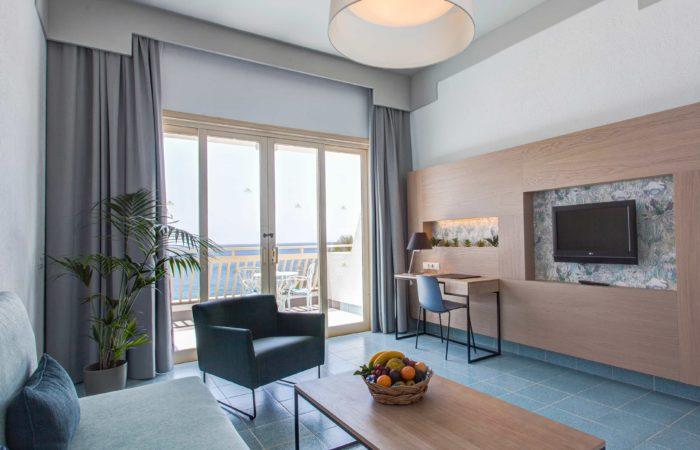 Suite High Floor Sea View 2