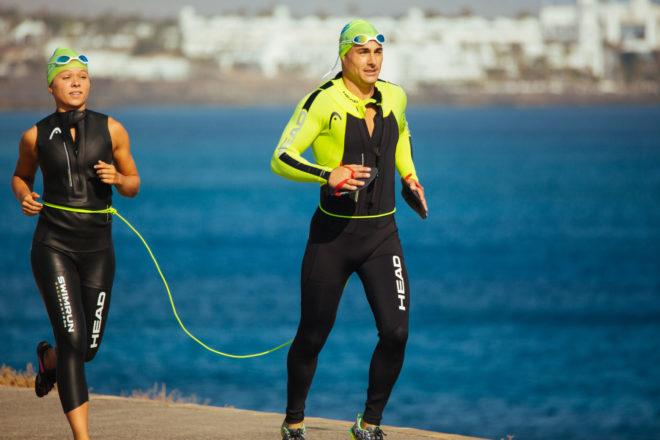 Swimrun Lanzarote, una prueba deportiva que combina natación con zapatillas y carrera con neopreno