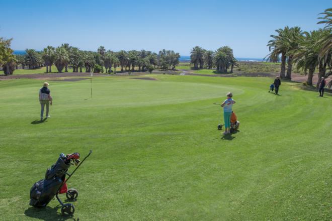 ¿Por qué cada vez más jugadores de golf visitan Lanzarote para practicar su deporte favorito?