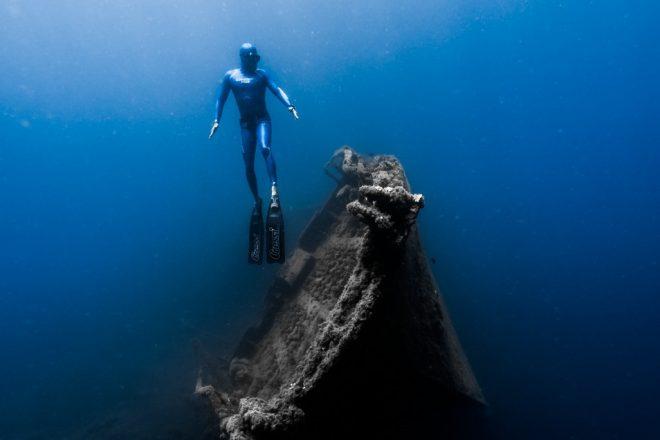 Practicar apnea en Lanzarote es respirar vida en el fondo del mar